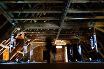 Singende Röhren unter dem Dach des OK